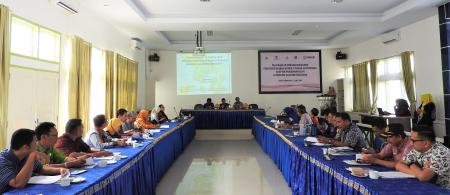 The new regulation on climate adaptation is disseminated to local development actors in Southeast Sulawesi. Photo: Documentation of USAID APIK